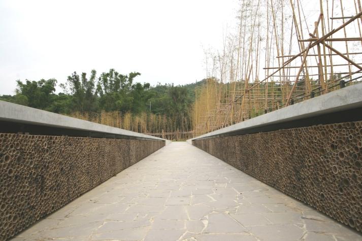 Memorial ramp